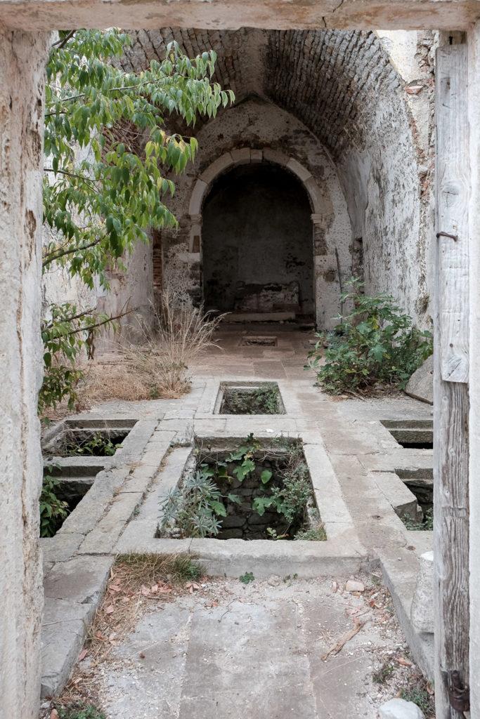 Gräber im Kloster